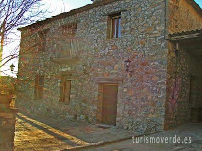 TURISMO VERDE HUESCA. Casa Escuela El Ferrero de Los Molinos